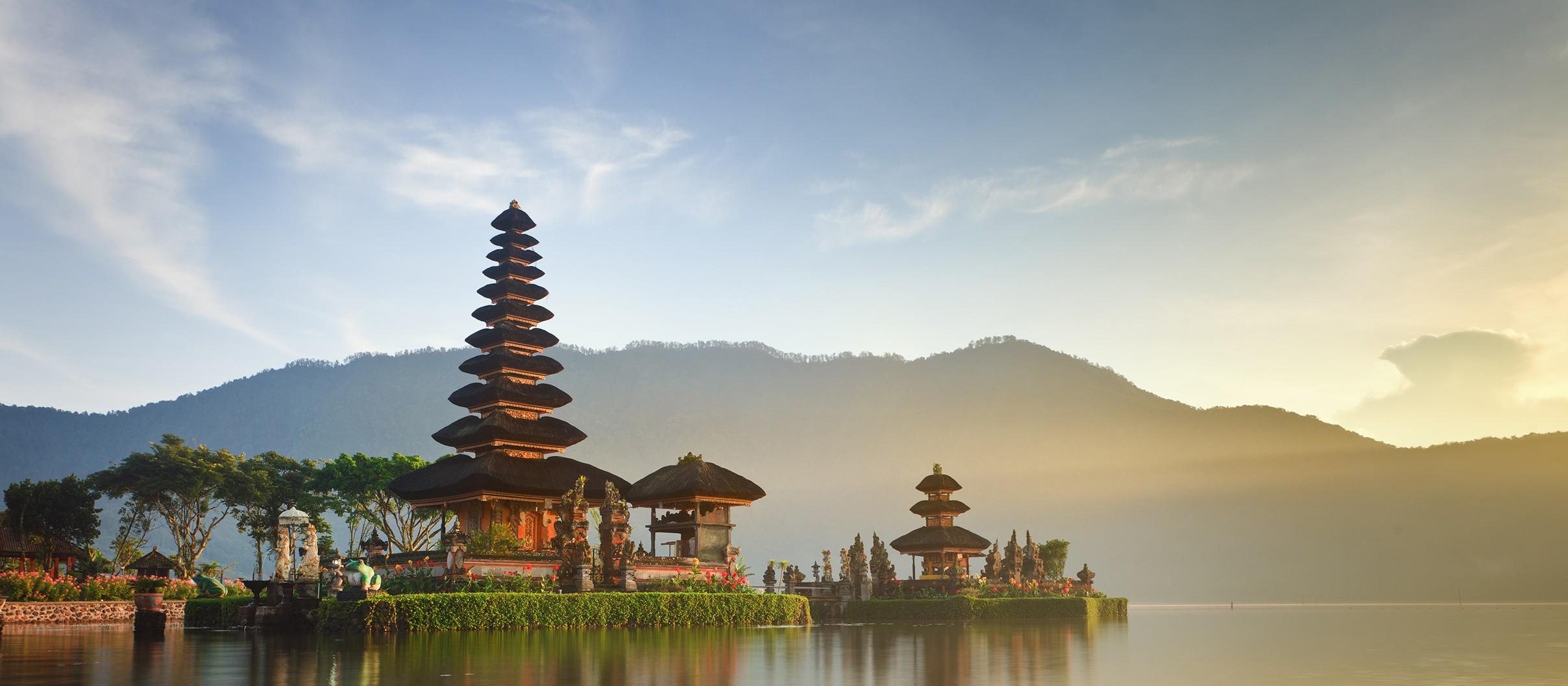travel wisata ke Bali