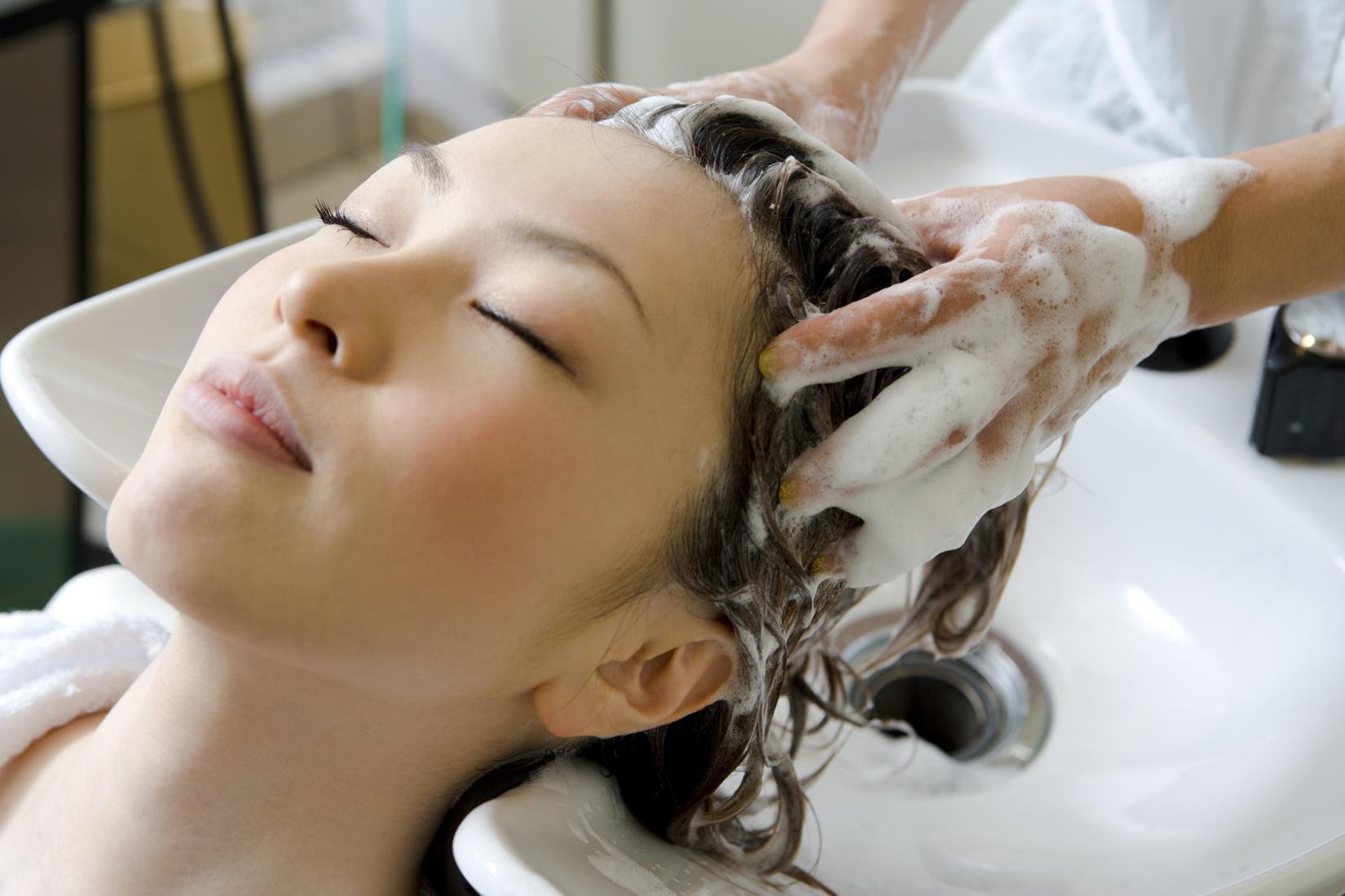 perawatan di salon